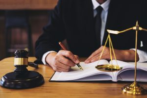 2 Everyday Situations That May Put You In Need Of An Accident Lawyer